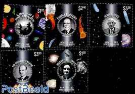 Pioneers in Space 5v