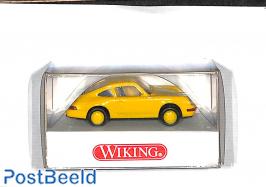 Porsche Carrera 4, yellow