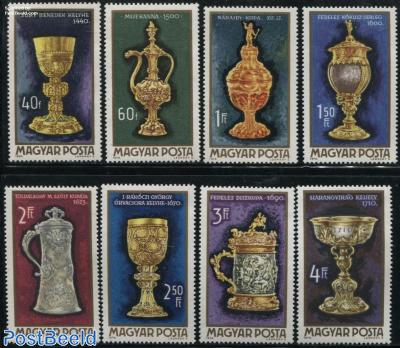 Golden art objects 8v